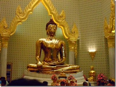 03 The Golden Buddha in Chinatown Bangkok